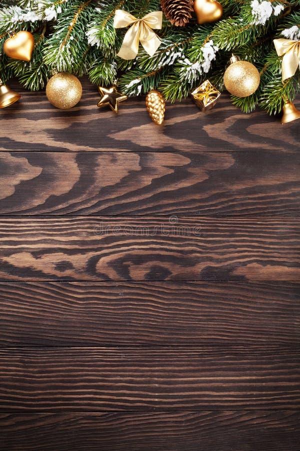 Предпосылка рождества с елью снега стоковое фото rf