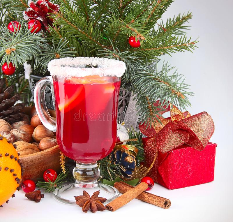 Предпосылка рождества с обдумыванным вином стоковая фотография