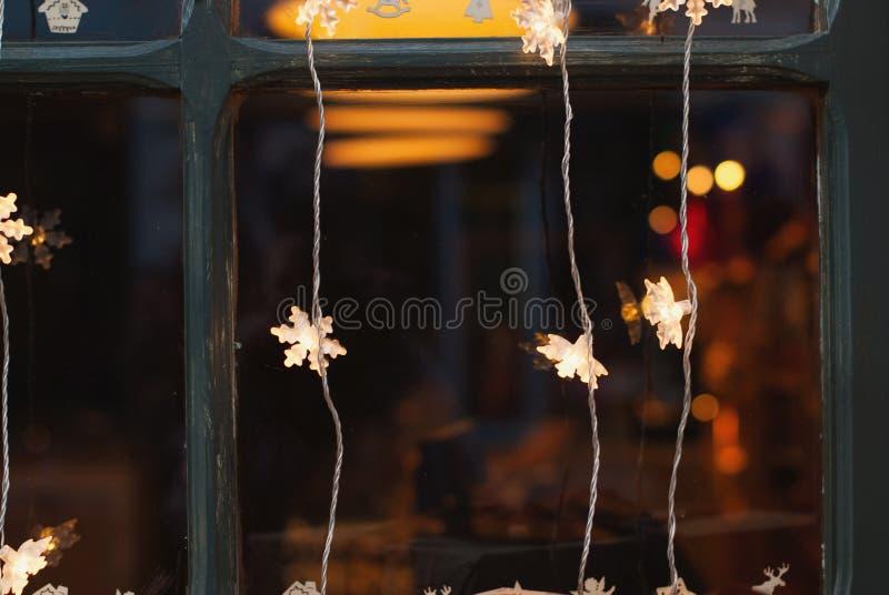 Предпосылка светов рождества - орнаменты рождественской елки стоковое фото rf