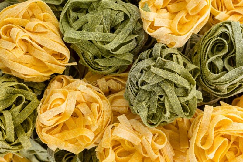 Предпосылка составленная шариков макаронных изделий fettuccini стоковая фотография