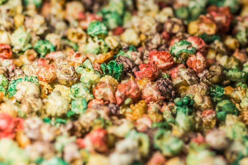 Предпосылка текстуры пестротканого попкорна карамельки Конец-вверх стоковое изображение
