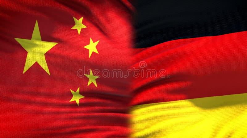 Предпосылка флагов Китая и Германии, дипломатический и экономические отношения, торговля стоковая фотография rf