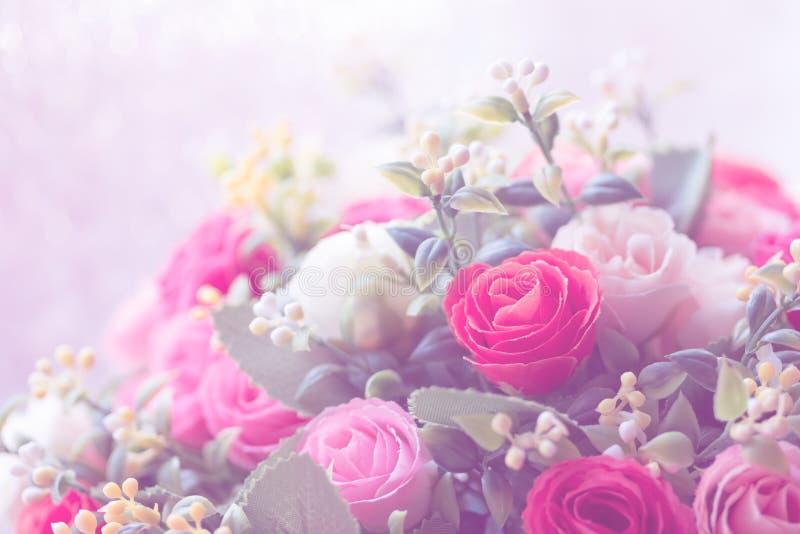 Предпосылка цветка красивого украшения искусственная розовая на день валентинки стоковое изображение rf