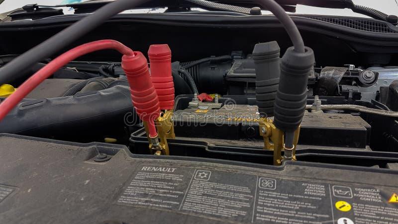 Предпосылка шнуров автомобильного аккумулятора поручая стоковые фотографии rf