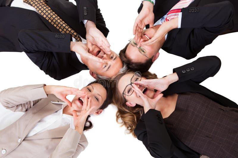 Предприниматели вызывая вне стоковые фото