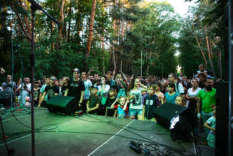 """Представление рок-группы """"Chumatsky Shlyakh """"10-ое июня 2017 в Черкасс, Украине стоковое фото"""
