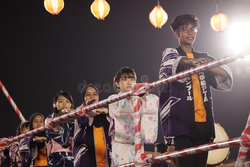 Представление танца Odori Bon стоковая фотография