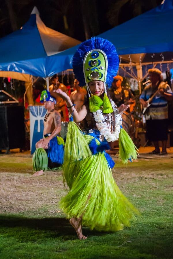 Представления песни и танца Сайпана аборигенные стоковые фото
