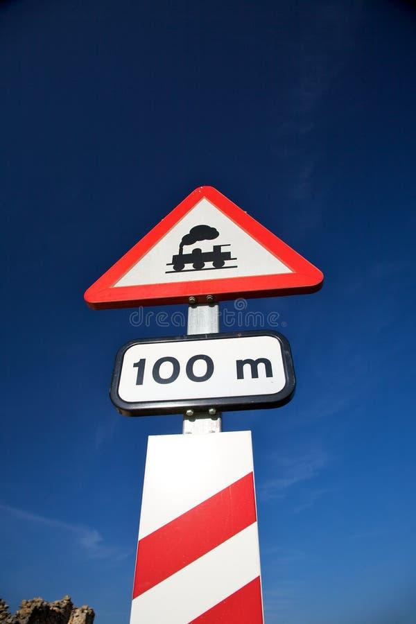 Download Предупреждающий поезд стоковое фото. изображение насчитывающей дорога - 18376266
