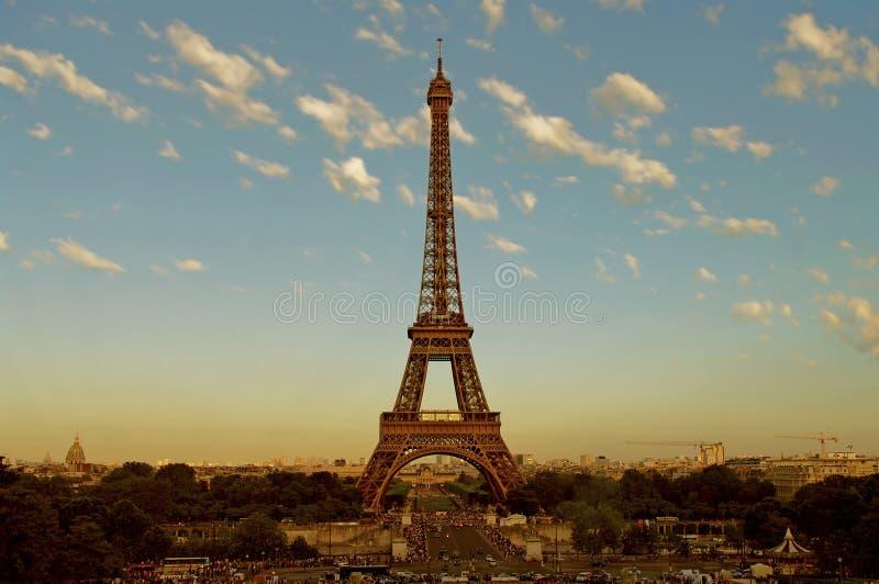 предыдущая башня восхода солнца eiffel paris стоковая фотография rf