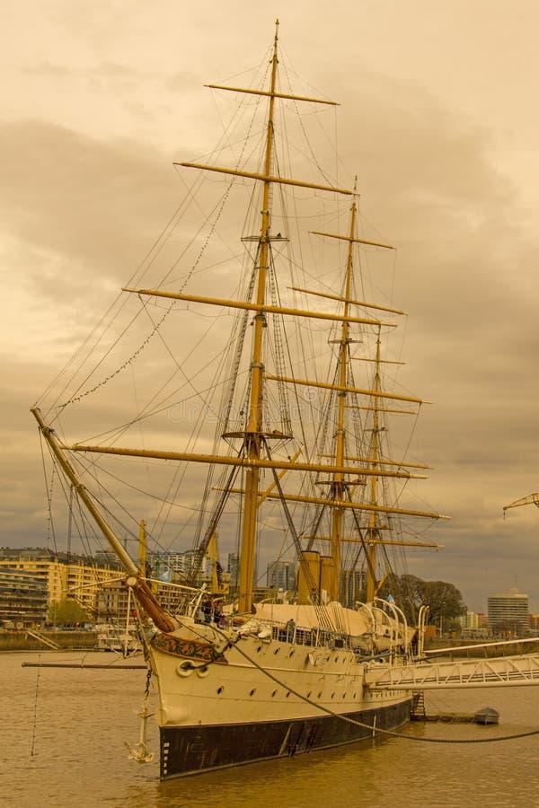Президент Sarmiento фрегата Порт Буэноса-Айрес ареальных стоковое изображение rf