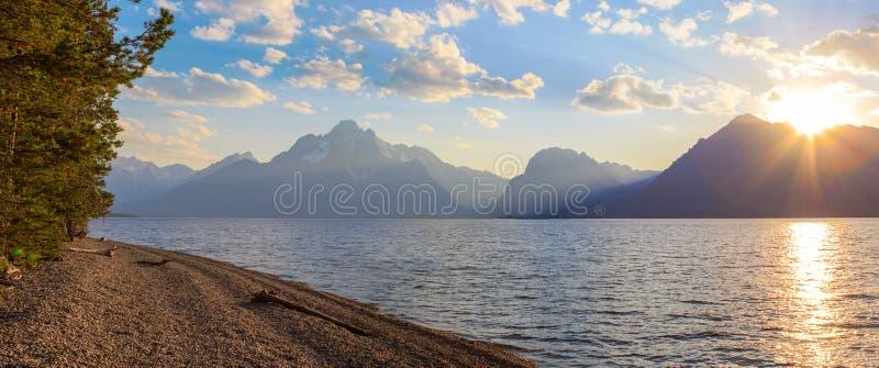 Прекрасный пейзаж Гранд-Тетон-хребта стоковая фотография rf