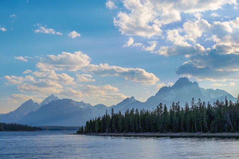 Прекрасный пейзаж Гранд-Тетон-хребта стоковые изображения rf