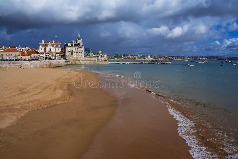 Прекрасный пейзаж на пляже Прайя-да-Рибейра стоковая фотография rf