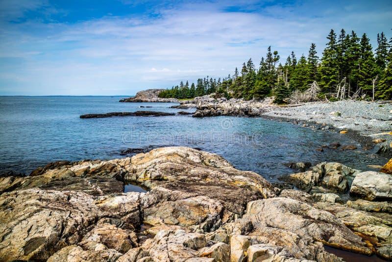 Прекрасный au Haut острова гавани утки в национальном парке Acadia, Мейне стоковые фотографии rf