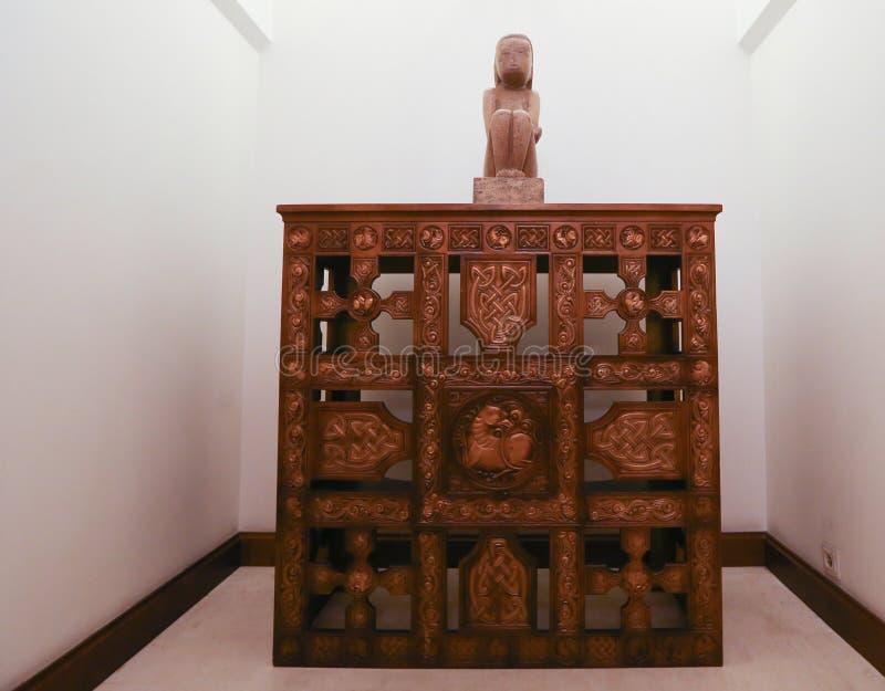«Премудрость земли» румынским скульптором Constantin Brancusi стоковые изображения