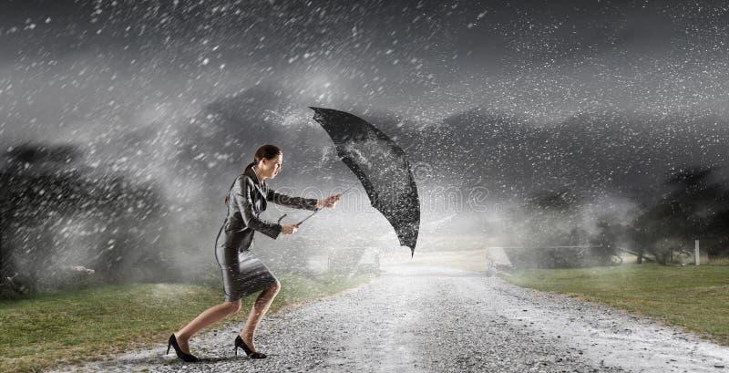 Download Преодолевать возможности и кризис Мультимедиа Стоковое Фото - изображение насчитывающей отжато, гулять: 81807974