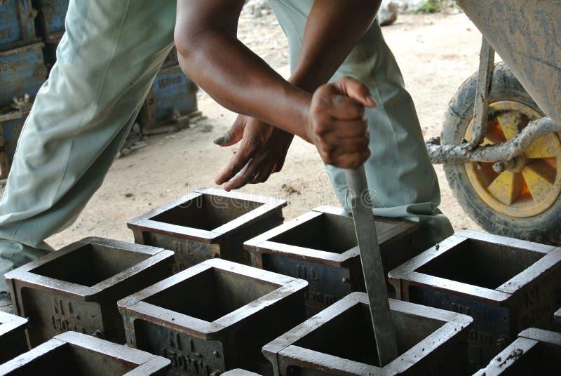 Прессформа испытания куба бетона для проверять конкретных качественных работы или испытаний обжатия стоковое изображение