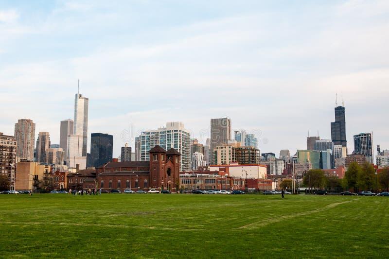 Пре-заход солнца горизонта Чикаго стоковые фото