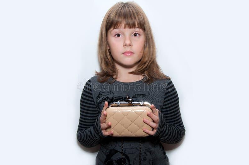 Предназначенная для подростков девушка с муфтой стоковое изображение rf