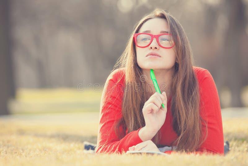 Предназначенная для подростков девушка стоковая фотография rf