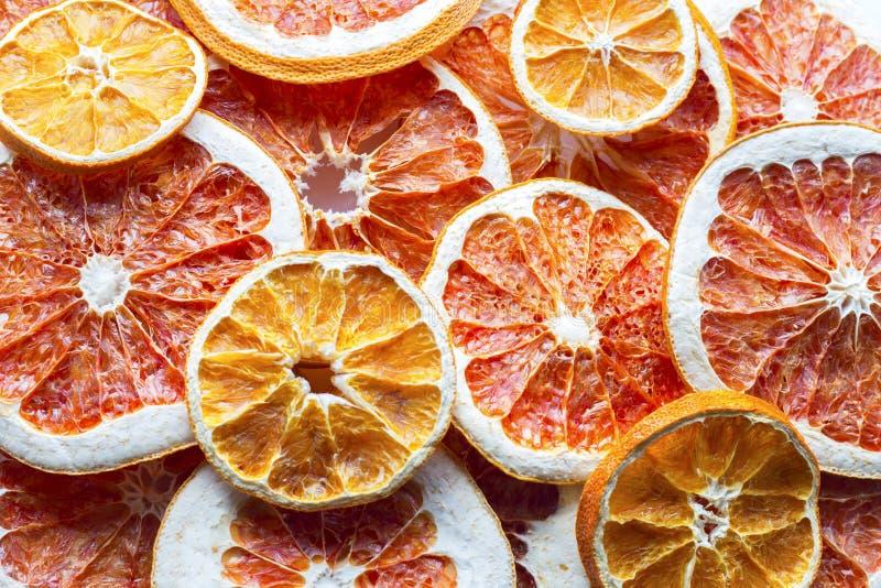 Предпосылка кусков грейпфрута и апельсина стоковая фотография rf