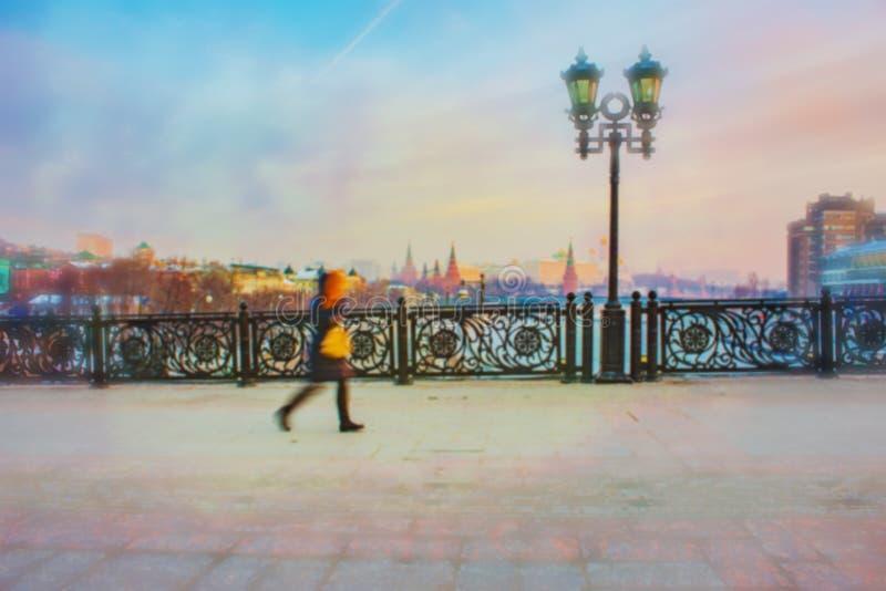 Предпосылка нерезкости Москвы города стоковые фото