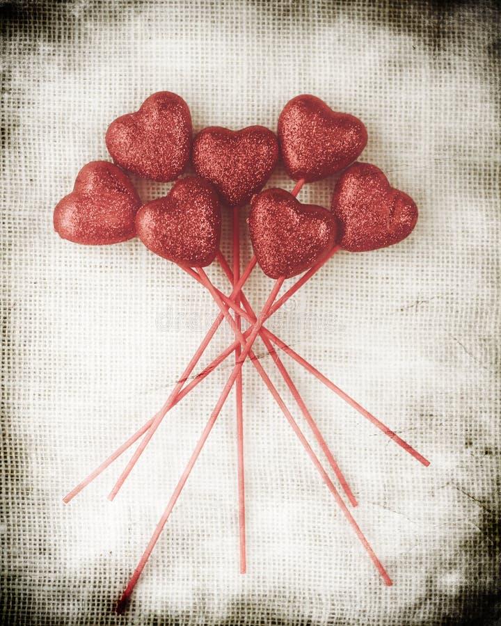 Предпосылка дня валентинок с сердцами стоковые изображения