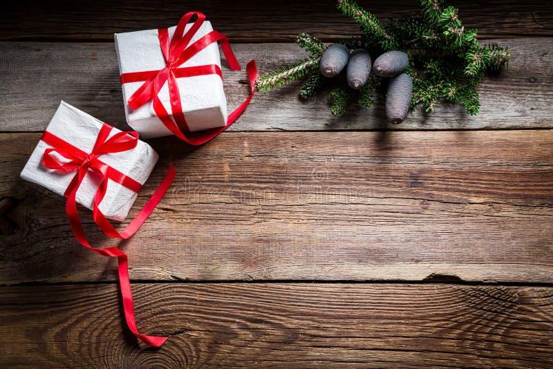 Предпосылка праздника рождества с подарками и космосом экземпляра стоковое фото