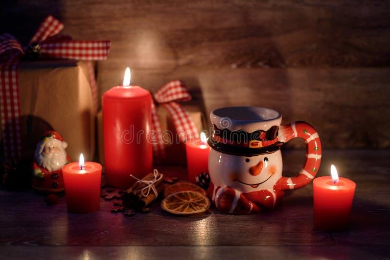 Предпосылка рождества с освещенными свечами стоковые фотографии rf