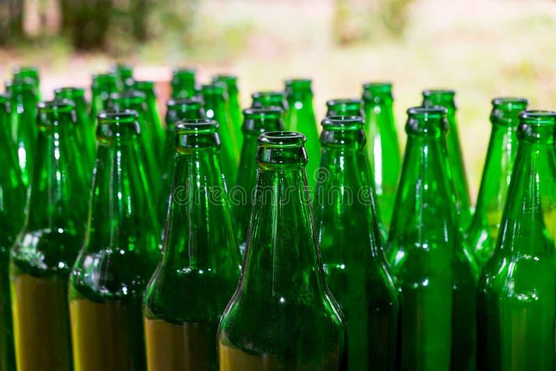 Download Предпосылка стеклянных бутылок Стоковое Фото - изображение насчитывающей обморочно, алхимика: 81801884