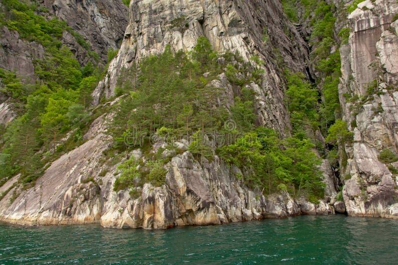 Предпосылка фланка горы в фьорде стоковое фото rf