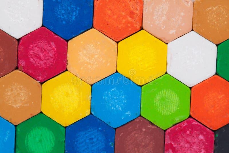 предпосылка crayons белизна стоковые фотографии rf