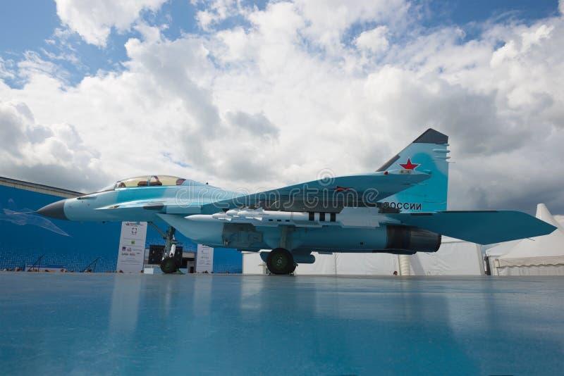 Представление русского универсального легкого бойца MiG-35 на авиасалоне MAKS-2017 стоковая фотография rf