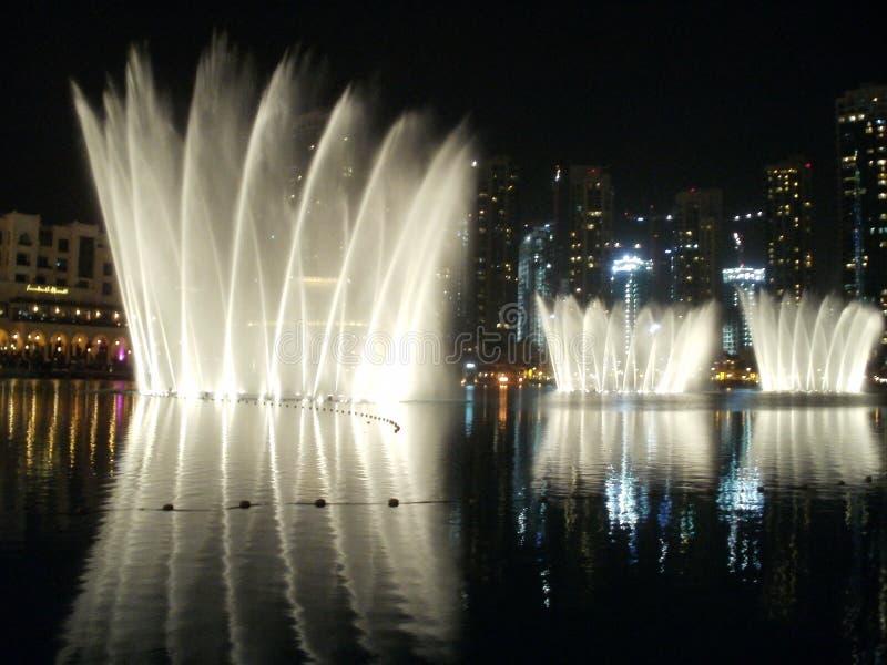 Представление фонтана Дубай стоковые изображения rf