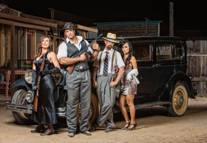 Представлять 4 гангстеров стоковая фотография rf