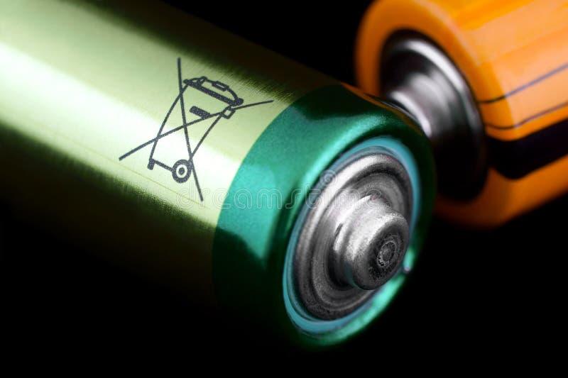 Предупредительный знак батареи стоковые фото