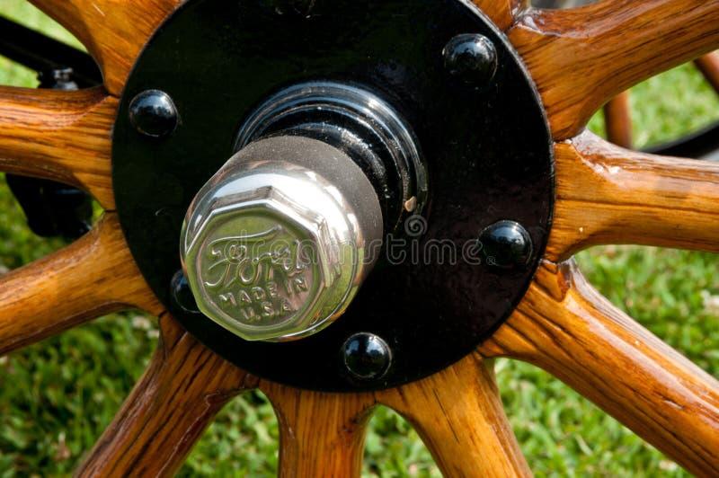 Предыдущая деталь колеса Форда деревянная стоковые фотографии rf