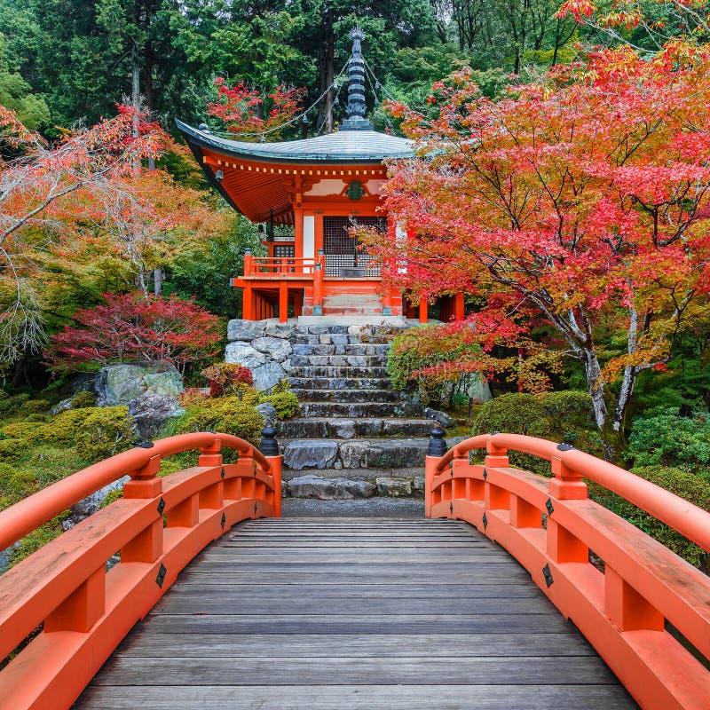 Предыдущая осень на виске Daigoji в Киото стоковое фото