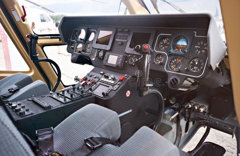 Приборная панель пилота вертолета арены стоковые изображения rf