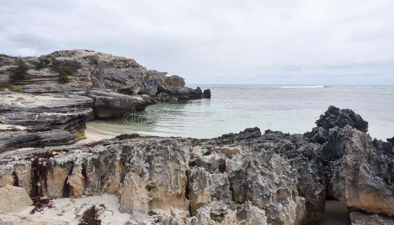 Прибрежная местность известняка стоковые фото