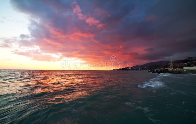 Прибрежный ландшафт после захода солнца стоковые фото