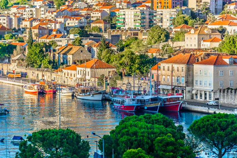 Прибрежный город в Хорватии, Дубровнике стоковые изображения