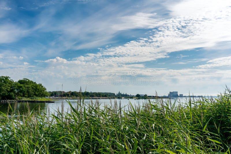 Прибрежный ландшафт города Kalmar, Швеции стоковое фото rf