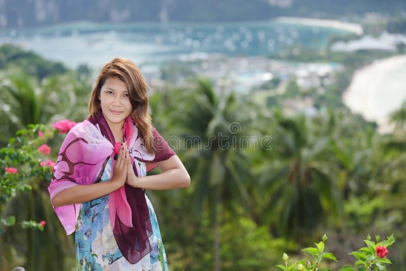приветствия тайские стоковые фото