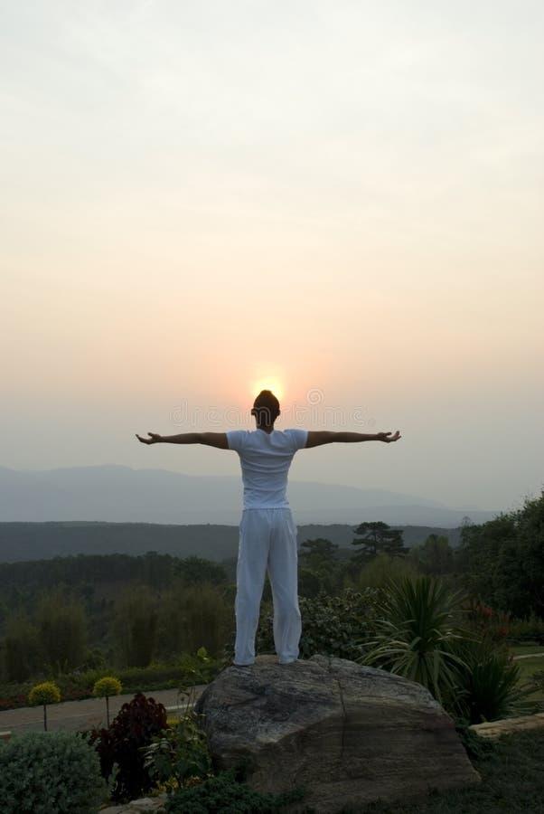 приветствовать солнца стоковое фото