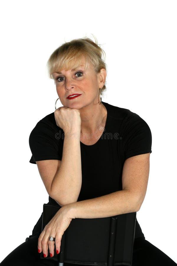 привлекательная возмужалая женщина стоковая фотография rf