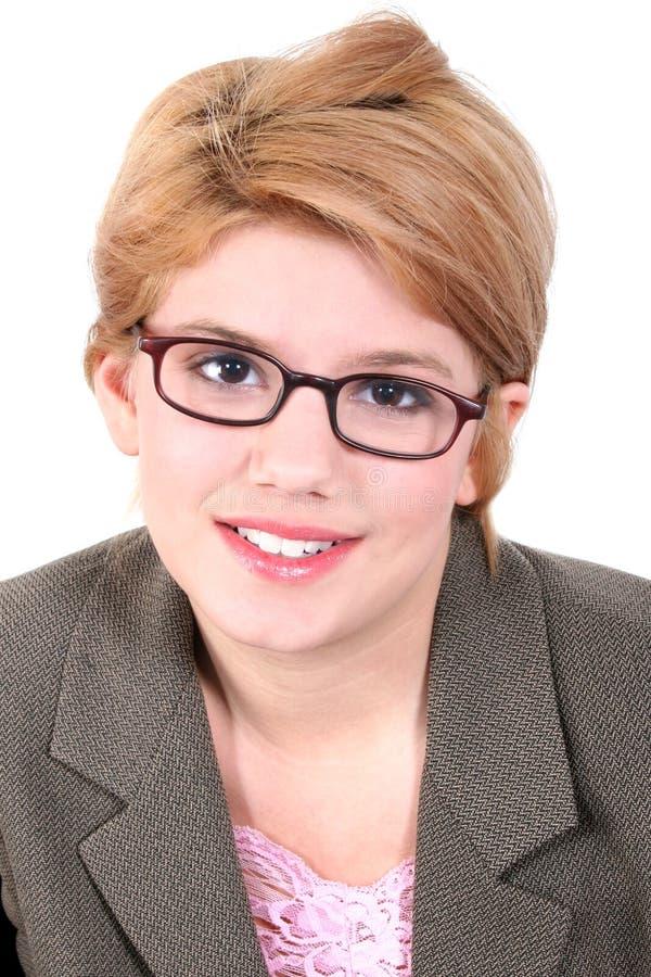 привлекательная девушка eyeglasses предназначенная для подростков стоковое фото rf