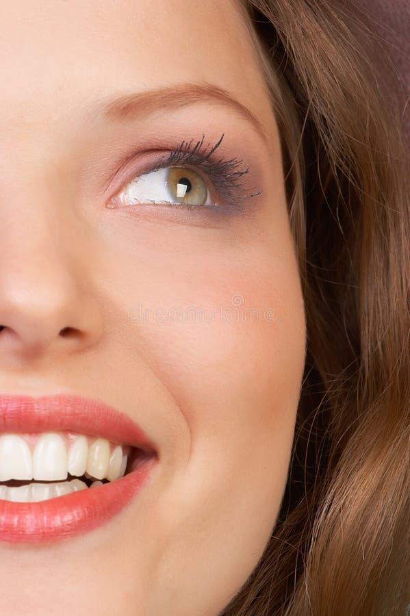 привлекательная женщина стороны стоковое фото