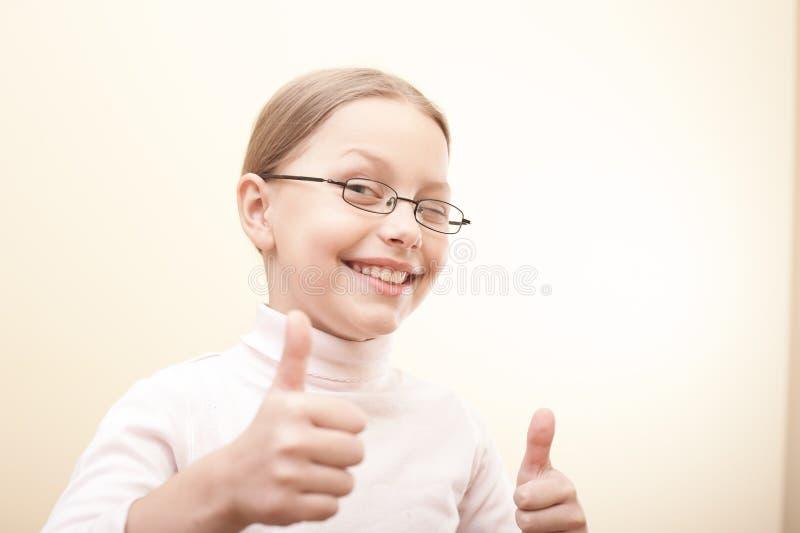 привлекательная милая девушка меньший портрет стоковое изображение rf